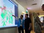 Pantau Listrik Saat Banjir, Erick Thohir: PLN Sudah Maksimal