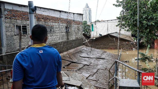 Pengakuan Warga Pengadegan, Nyaman Meski Kerap Kebanjiran