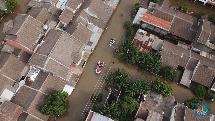 Banjir menyambut Jakarta di awal tahun 2020, semua pihak buka suara untuk mengatasi musibah yang membuat ibu kota lumpuh 2 hari.