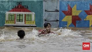 Anies: Anak-anak yang Paling Senang Main Banjir
