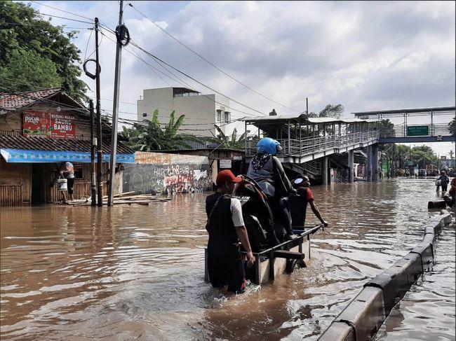 Alert Dari Kedubes As Sampai 12 Januari Jakarta Hujan Badai