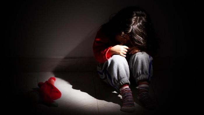 Kejam! Ibu Tiri Sekap Anak di Koper Selama 7 Jam Hingga Tewas
