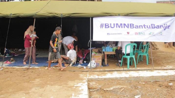 Sinergi BUMN Bantu Korban Banjir Bandang di Lebak Banten
