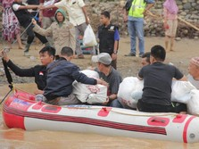 12 Daerah Tetapkan Status Darurat Banjir, kecuali Jakarta