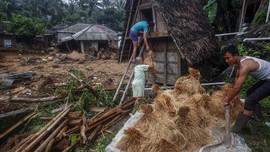 FOTO : Tanah Longsor di Sukajaya Bogor