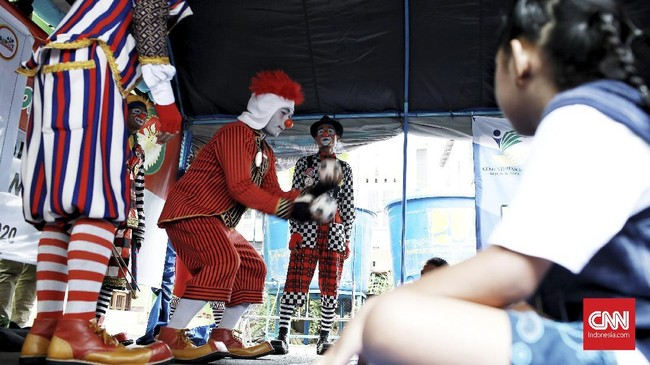 Hiburan ABI bertujuan untuk membantu Trauma Healing untuk anak-anak korban banjir. (CNN Indonesia/Andry Novelino)