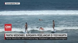 VIDEO: Pantai Wediombo, Surganya Peselancar di Yogyakarta