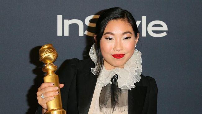 Awkwafina Cetak Sejarah di Golden Globe 2020