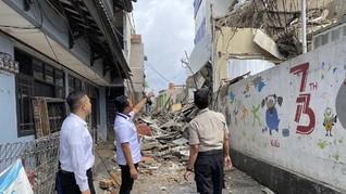 Bangunan Roboh di Slipi, 3 Orang Terluka