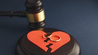 Memulai Awal Tahun dengan Perceraian