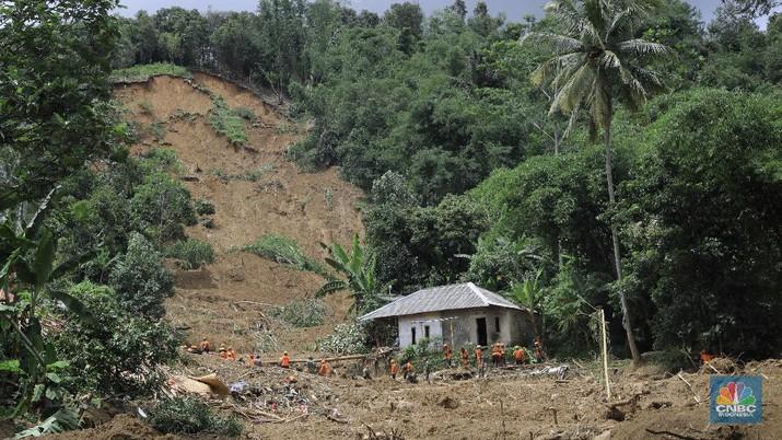 Kampung di Bogor ini Rata dengan Tanah Akibat Longsor!