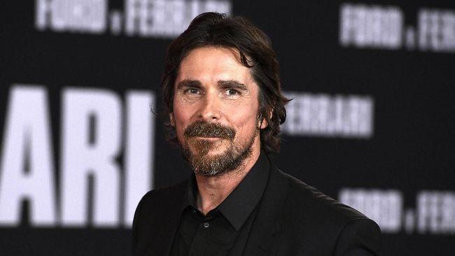 Christian Bale Diincar Gabung di Film Thor: Love and Thunder