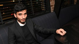 Mehdi Dehbi, Aktor Empat Bahasa Bintang Serial Messiah