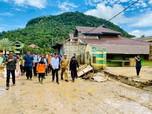 Jokowi Tinjau Lokasi Banjir Bandang di Lebak Banten