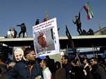 Ribuan Warga Iran Beri Penghormatan Terakhir bagi Soleimani
