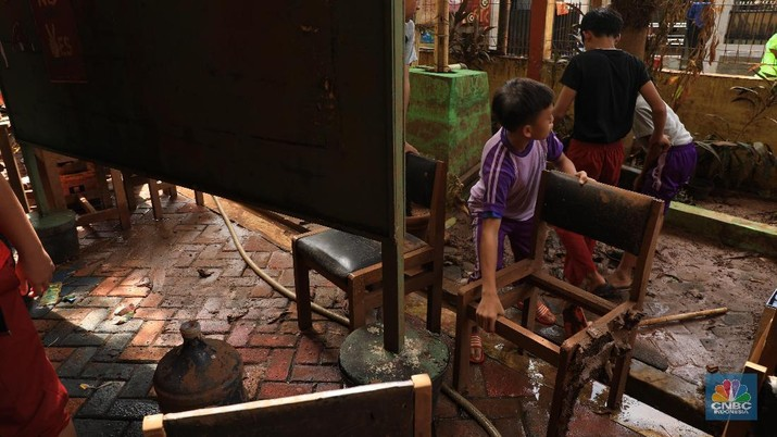 Intip Penampakan SD di Bintaro Usai Diterjang Banjir 3 Meter