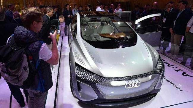 Mobil 'pintar' Audi yang telah mengantongi teknologi otonom (bergerak otomatis) level 4 tampil di CES 2020. (David Becker/Getty Images/AFP)