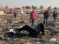 FOTO: Serpihan Pesawat Ukraina yang Jatuh di Iran