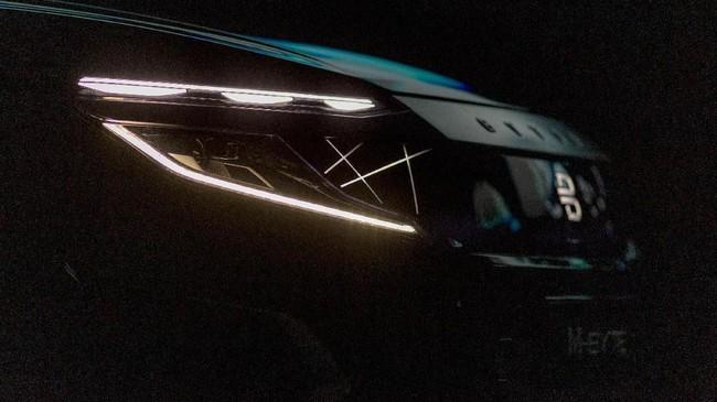 Byton, pabrikan mobil listrik asal China turut meramaikan Consumer Electronics Show 2020 dengan menampilkan SUV bertenaga listrik. (Photo by DAVID MCNEW / AFP)