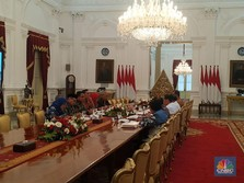 Instruksi Jokowi ke Anies Hingga Emil Cegah Longsor & Banjir