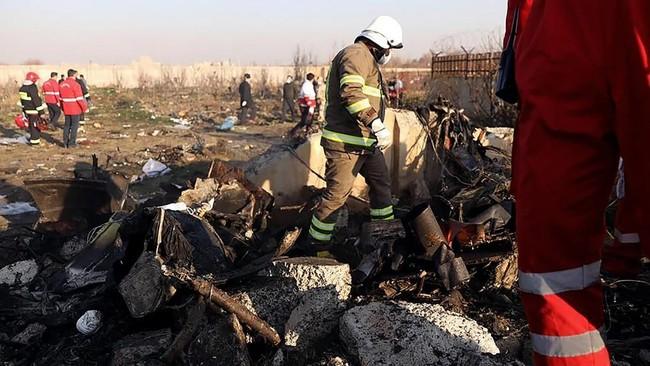 Kepala Layanan Medis Darurat Iran, Pirhossein Koulivand, mengatakan petugas darurat dikerahkan ke tempat kejadian.(Photo by Borna GHASSEMI / ISNA / AFP)