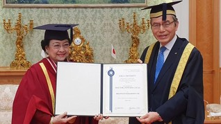 Megawati Soal 9 Gelar Doktor HC: Bukan Saya yang Nyari