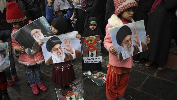 Amarah warga Iran yang semula ditujukan ke AS kini berbalik ke pemimpin negerinya sendiri