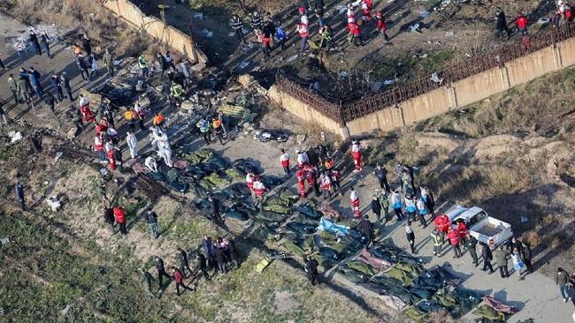 Belum diketahui penyebab kecelakaan itu.(Photo by Rouhollah VAHDATI / ISNA / AFP)