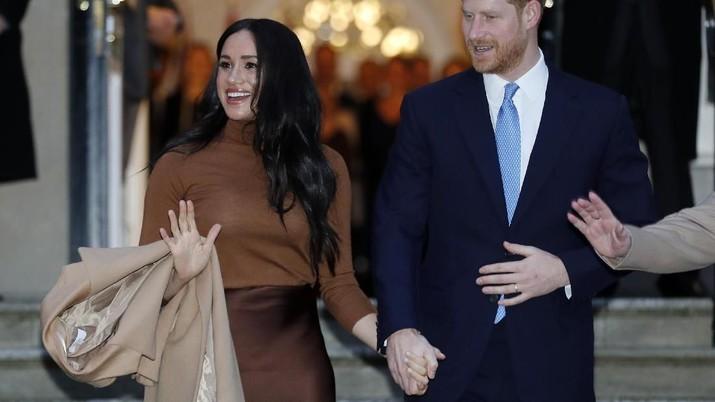 Meghan dan Pangeran Harry memutuskan hengkang dari kerajaan, ingin finansial secara mandiri. Faktanya, mereka setidaknya sudah punya modal US$ 30 juta.