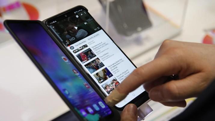 Jokowi: Sebentar Lagi Ada Bagian di Ponsel Anda Made in RI