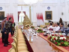 Gubernur Anies: Tanggul DKI Bukan Jebol, Tapi Retak