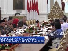 Jokowi Ingatkan Anies Baswedan untuk Pantau Sungai di Jakarta