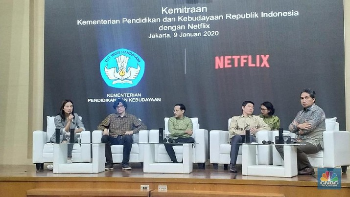 Netflix belum memenuhi aturan yang ada di Indonesia sehingga Mendikbud Nadiem Makarim dikritik karena menggandeng perusahaan AS ini.