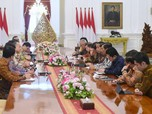 Momen Jokowi Rayu SoftBank Hingga DFC Tanam Modal di RI