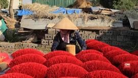 VIDEO: Merah Muda di Desa Dupa Vietnam Jelang Imlek