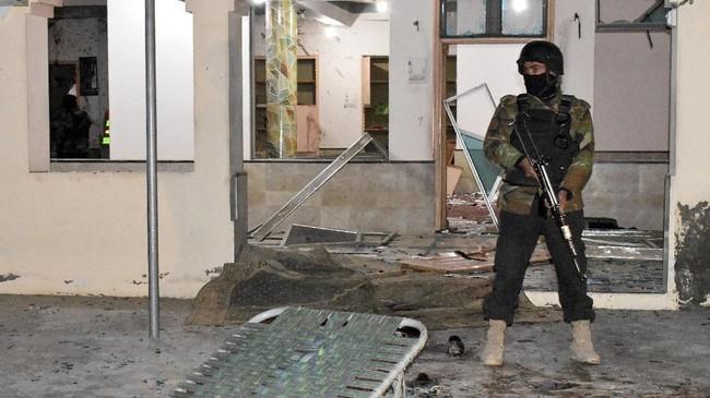 Seorang pejabat senior kepolisian menjadi salah satu korban tewas dalam pemboman di Quetta, Ibu Kota provinsi Baluchistan, yang berbatasan dengan Iran dan Afghanistan. (AP Photo/Arshad Butt)