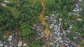 Foto areal kondisi Desa Adat Urug pascabencana tanah longsor dan banjir bandang di Kecamatan Sukajaya, Kabupaten Bogor, Jawa Barat. Desa Adat Urug merupakan salah satu wilayah yang terparah terkena longsor dan banjir bandang. (ANTARA FOTO/Galih Pradipta/wsj.)