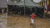 Kementerian Sosial mencatat hingga 9 Januari 2020, sebanyak 19.801 orang masih mengungsi di wilayah Jakarta, Bogor, Depok, dan Banten terkait bencana banjir dan tanah longsor, Pengungsi tercatat paling banyak berada di Kabupaten Bogor. (ANTARA FOTO/Galih Pradipta/nz)