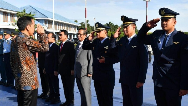 Jokowi Terbang Menjemput Investasi Rp 126 T di Abu Dhabi