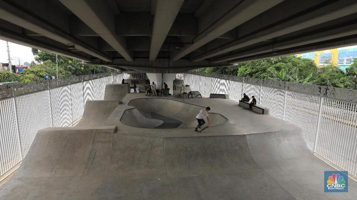 Keren! Ini Skate Park di Kolong Jembatan Pasar Rebo Jakarta