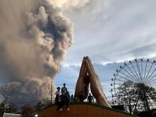 Filipina Erupsi, AS Banjir, hingga Demo Ojol Tuntut Tarif