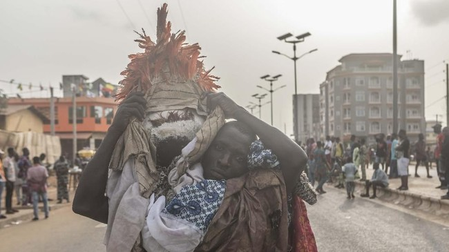 Selama berpuluh-puluh tahun, dukun voodoo Kpohinto Medji melihat kepercayaan yang dianutnya berkembang, sebelum mengalami kemunduran drastis. (Yanick Folly/AFP)