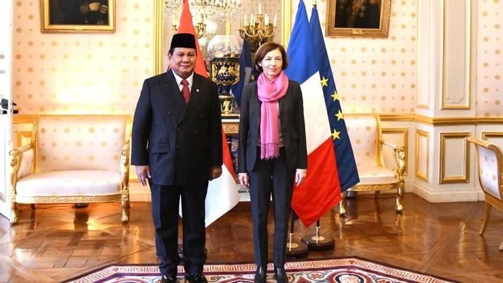 Menteri Pertahanan Prabowo Subianto bertemu dengan Menteri Pertahanan Prancis Florence Parly.