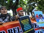 Massa Pro Anies di Balai Kota: