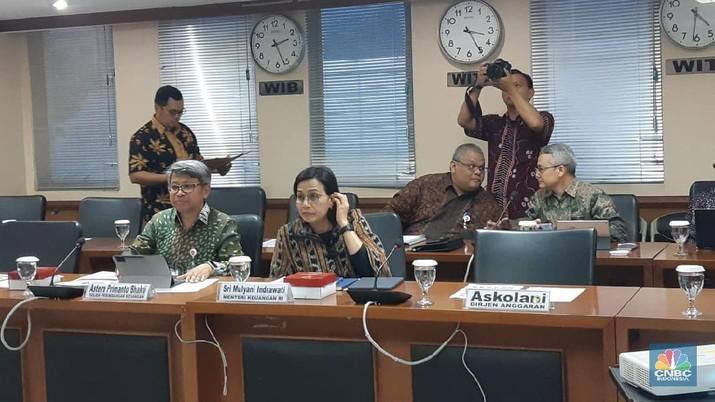 Kementerian Keuangan masih mengkaji skema perubahan pembayaran bagi pensiunan aparatur sipil negara (ASN) atau PNS.