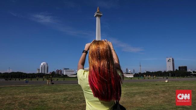 Monumen Nasional (Monas) meupakan monumen peringatan setinggi 132 meter yang dirancang oleh arsitek Frederich Silaban dan RM Soedarsono pada tahun 1961. (CNNIndonesia/Safir Makki)