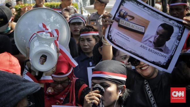 Demo Usai, Massa Pro dan Kontra Anies Membubarkan Diri