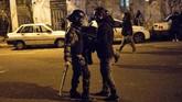 Bentrokan antara pedemo dan aparat keamanan juga dikabarkan tak terelakkan.(AP Photo)