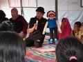 Boneka Kakek Pengikis Trauma Korban Longsor Bogor