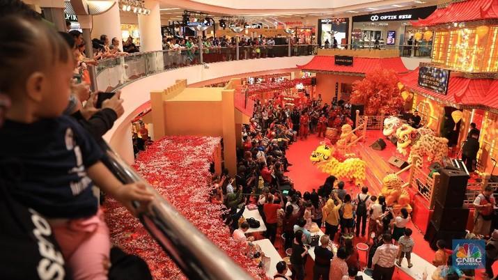 Mall Jakarta kini mulai dipenuhi ornamen Imlek